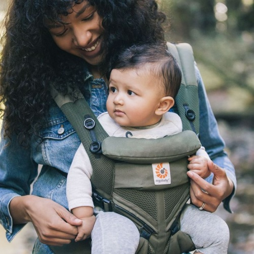 01fdb6dd724 Ergobaby Omni 360 Cool Air 4 Position Newborn to Toddler Baby Carrier Khaki  Green Earthmother.ie